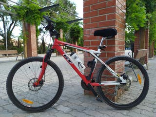 Bicicleta GT outpost + Sigma 1009 sts + accesorios