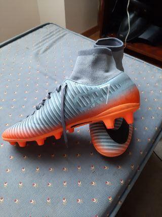 botas fútbol nuevas