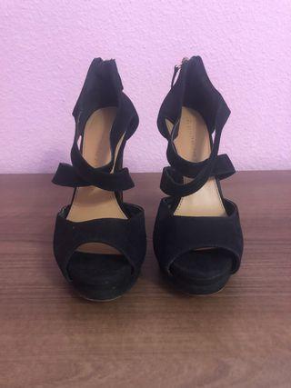 Sandalias de tacón negros
