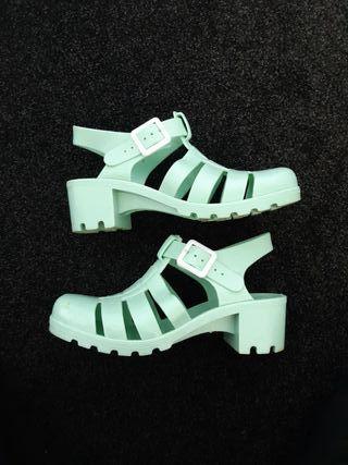 Ladies jelly sandals