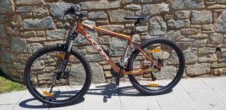 Bicicleta MTB Felt 620