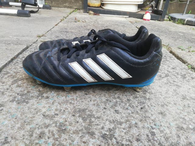 Size 5 boys football boots