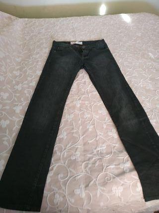 Pantalón negro Levis