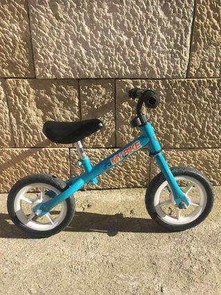 Mini bici sin pedales.
