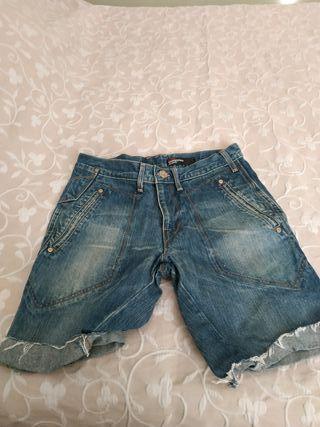 Pantalón corto Levis