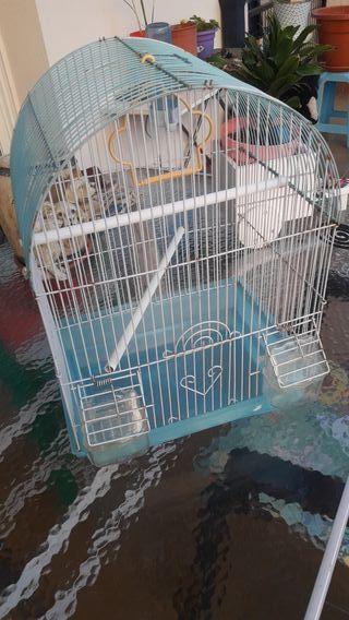 oferta se vende jaula de pájaro