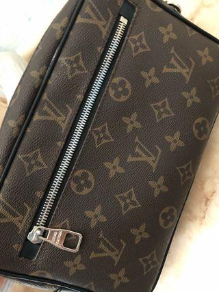 Vendo bolso de mano Louis Vuitton