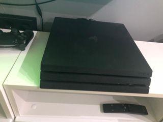 PlayStation 4 pro 300 y 5 juegos 120 pack 420€