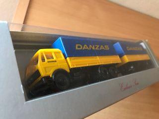 Precioso camión con remolque DANZAS Herpa 1:87