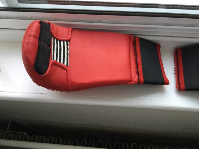 BLITZ ELITE PU SPARRING GLOVES M