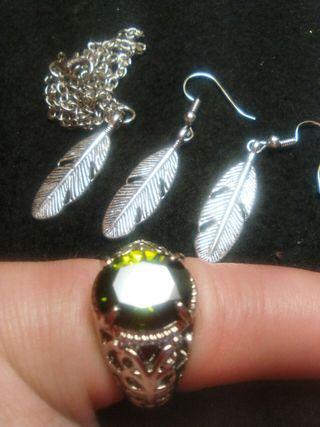 Sortija anillo pendientes y cadena con colgante
