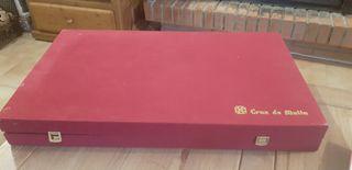 caja Cruz de Malta. caja vacía