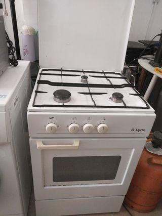 Cocina gas butano 3 quemadores