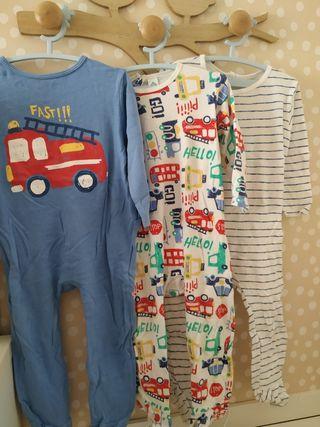 conjunto tres pijamas bebe 23 meses.
