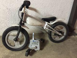 Bici amb pedals imaginarium