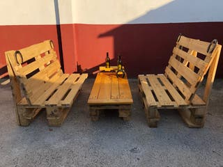 Conjunto mesa y bancos de palets