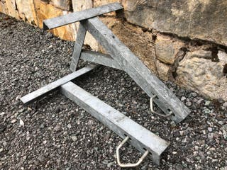 Heavy duty galvanised aerial mast bracket