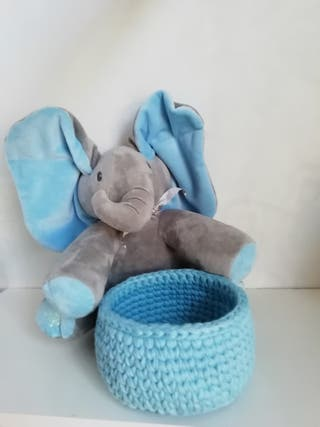 cesta de trapillo azul