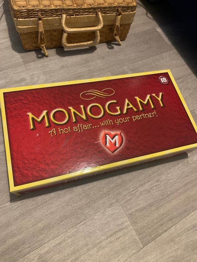 Monogamy - board game for couples
