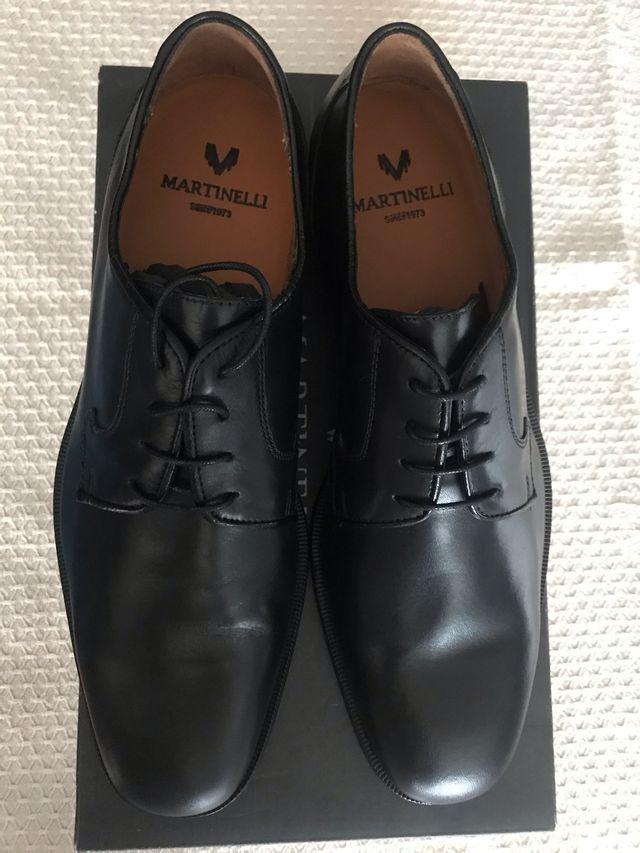 Zapato negro caballero