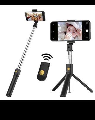 Bluetooth remote selfie stick/tripod