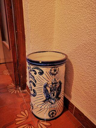 Paraguero de cerámica granadina