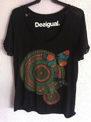 Camisetas Desigual mujer de segunda mano en Málaga en WALLAPOP