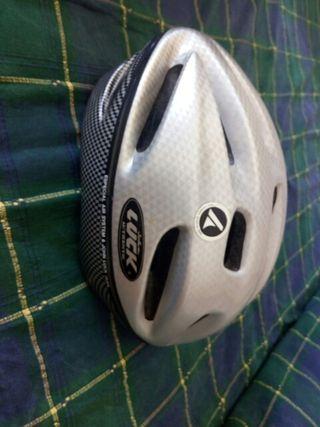 casco de bicicleta de carretera