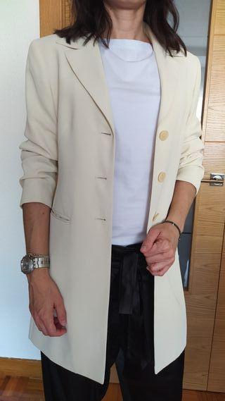 Blazer larga beige
