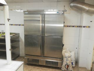 Gran armario frigorífico cromado