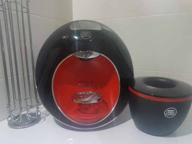 CAFETERA DOLCE GUSTO SIN USO