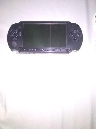 PSP +CARGADOR +TARJETA SD CON 8GB+ FUNDA +5 JUEGOS