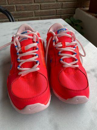 Zapatillas Nike 38,5