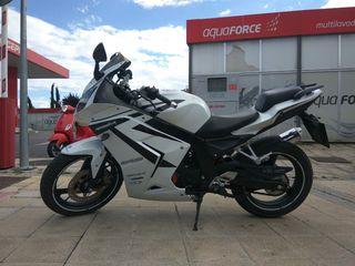 Moto Daelim Roadwin 125r (125cc 19.500km)