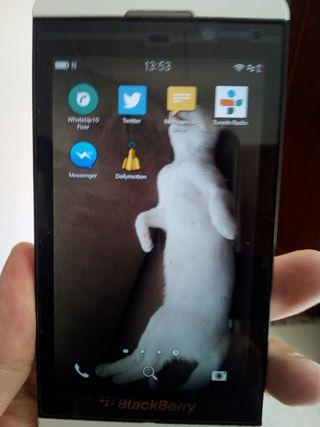 Se vende smartphone BlackBerry Z10 en muy buen est