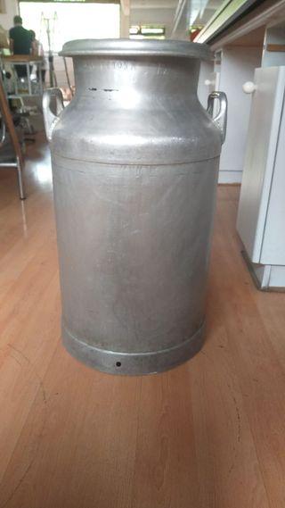 Cántaro de leche de aluminio