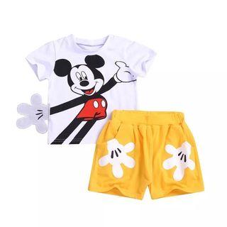 conjunto niños nuevo Mickey 3/4 años