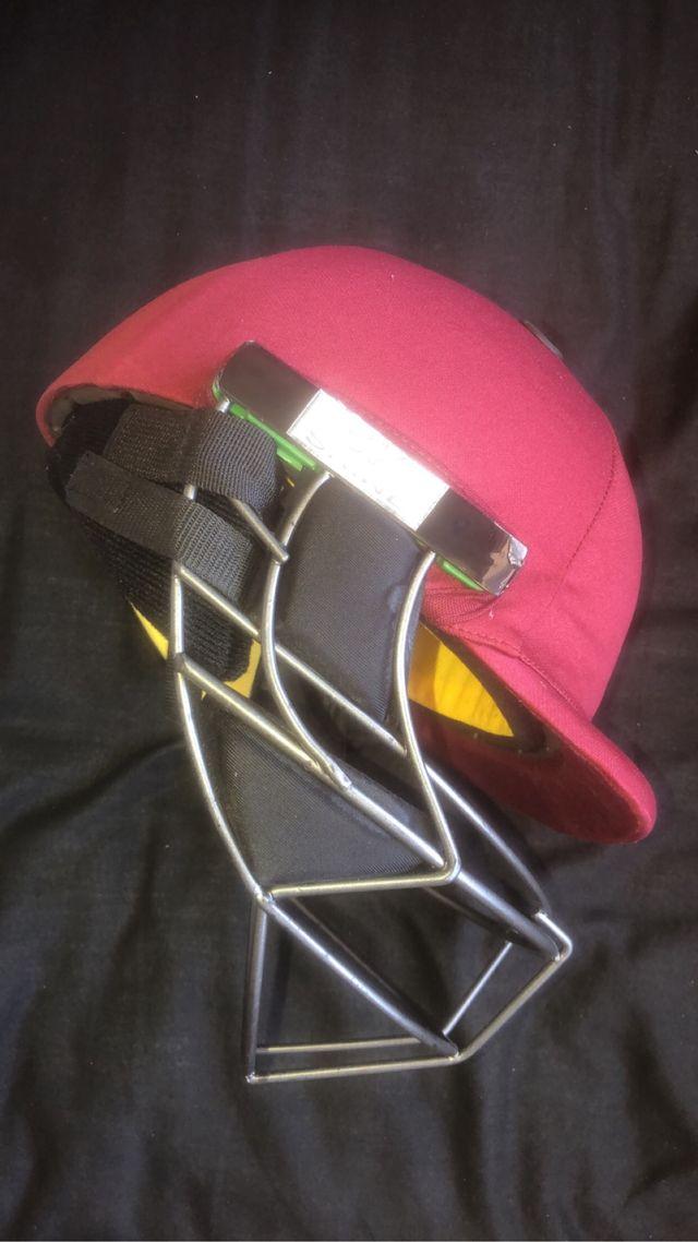 Brand New Cricket Helmet and gloves bundle