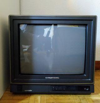 Televisión antigua Grundig