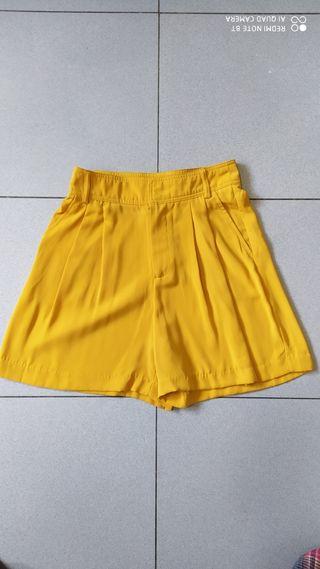 2 pantalones cortos , t. S
