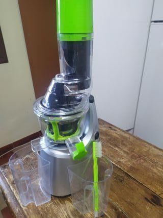 Licuadora de prensado en frio Cecotec