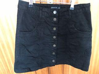 Falda negra básica de zara