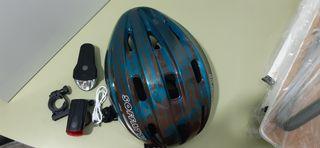 casco bici y luces delantera y trasera bici