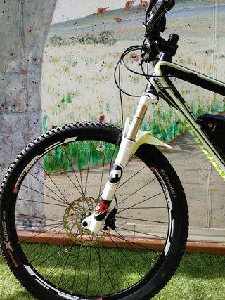 Bicicleta MTB alemana llanta 29