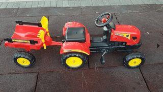 Tractor con pedales para niños