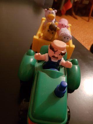Un tractor de granjero