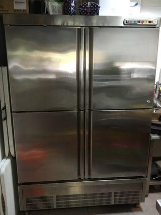 Armario frigorífico Coreco 4 puertas