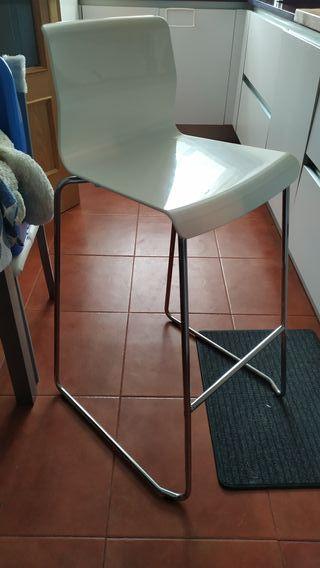 Taburete alto Ikea