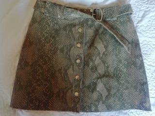 Falda mini piel de serpiente