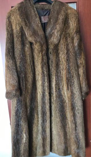 Abrigo piel nutria largo t40/42